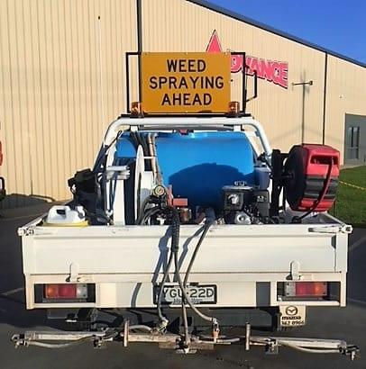 Wee spraying sign